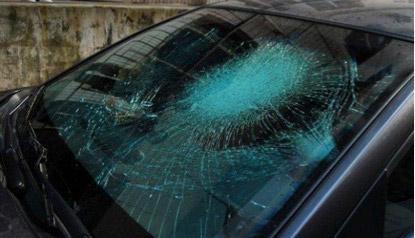 การเอาตัวรอดยามคับขัน เมื่อเจออุบัติเหตุทางรถยนต์ ตอนที่ 6 : กระจกหน้าแตก