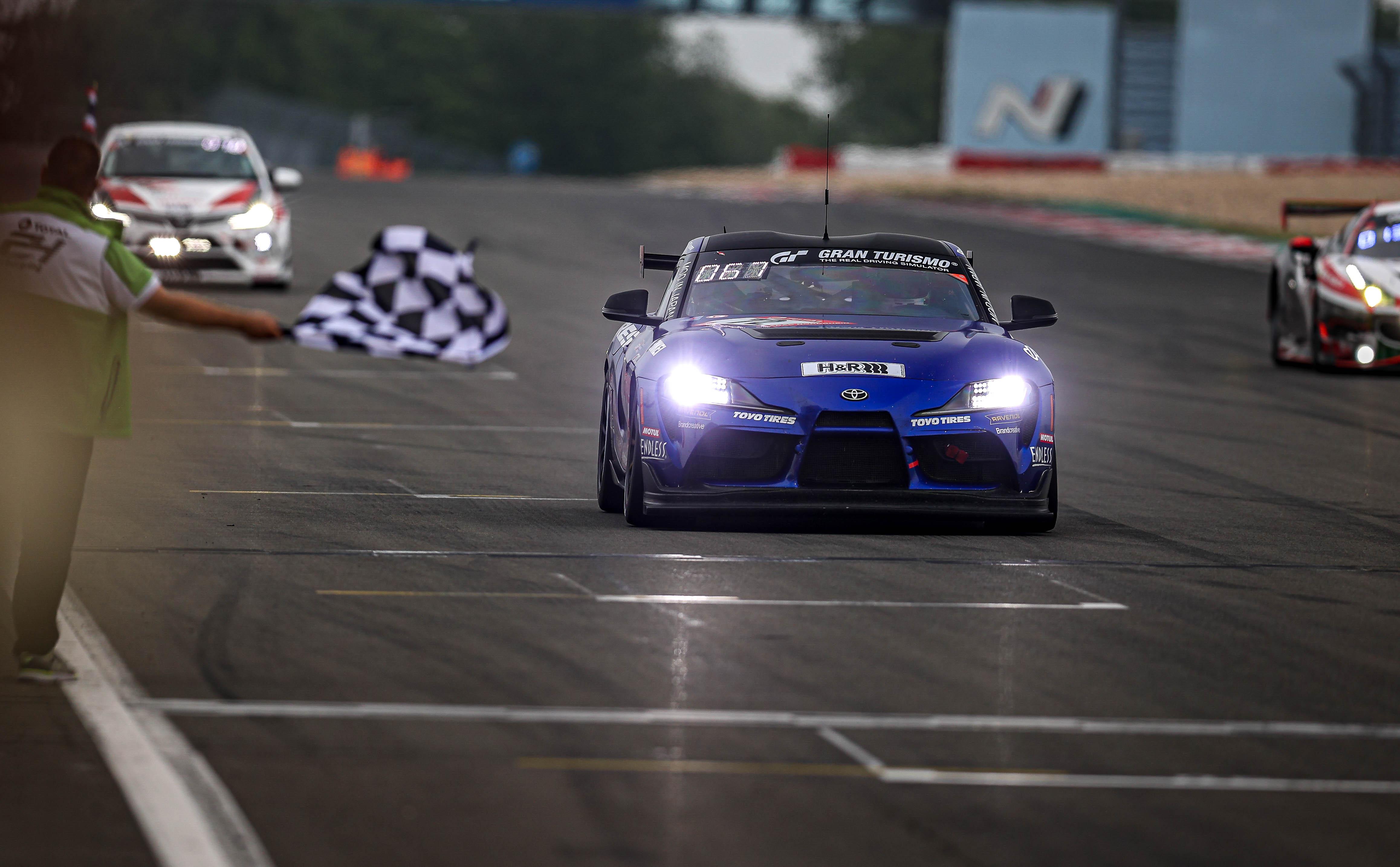 """ยางโตโยไทร์ พิสูจน์ประสิทธิภาพคว้าชัย จบการแข่งขัน  """"ADAC Total 24h-Race Nürburgring 2021"""" ที่ทรหดที่สุดในโลก"""
